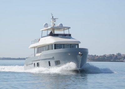 Aluminium trawler motor yacht
