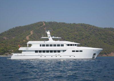 GOLDEN HORN Steel hull motor yacht