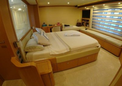 Master cabin (1)