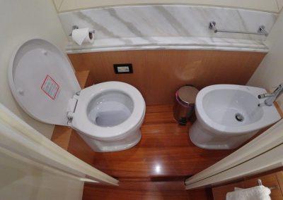 Master cabin (3)