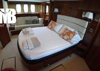 Master cabin (4)