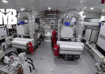 13 Engine room (1)