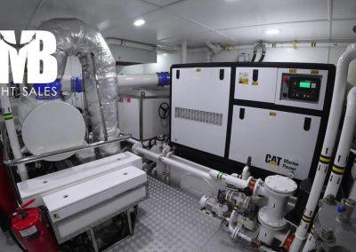 13 Engine room (2)