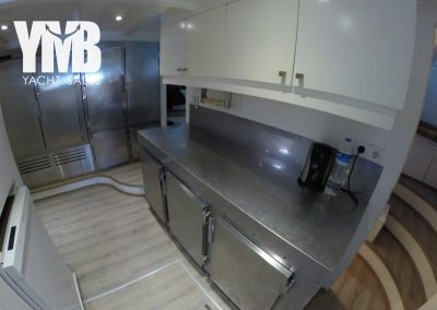 4.5 Galley 44 (3)