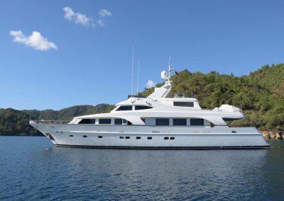 SUNRISE 34 m motor yacht